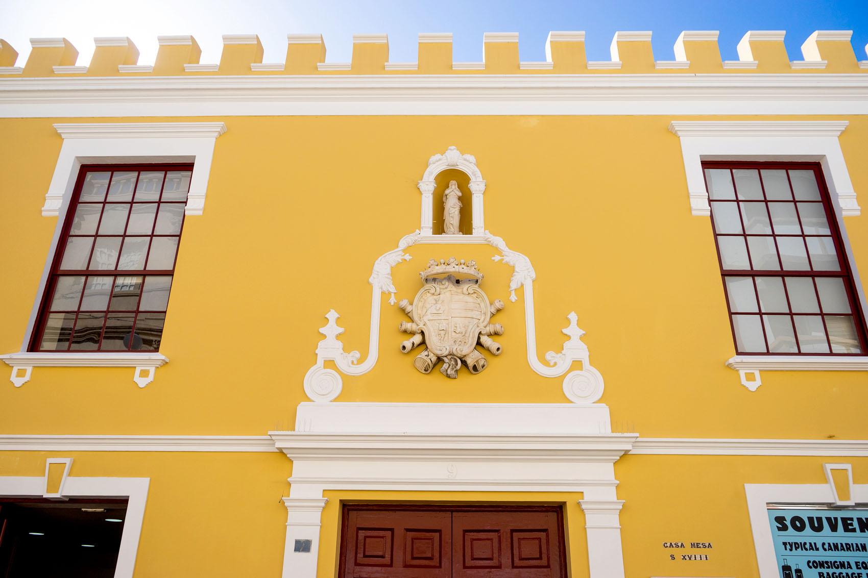 Koloniale Architektur La Laguna Teneriffa, gelbes Haus